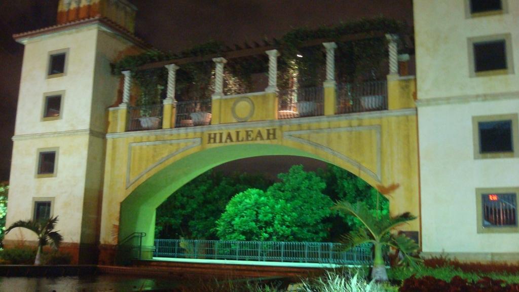 Cuentos de Callejeras: From Westchester to Hialeah, Somos Jimaguas.